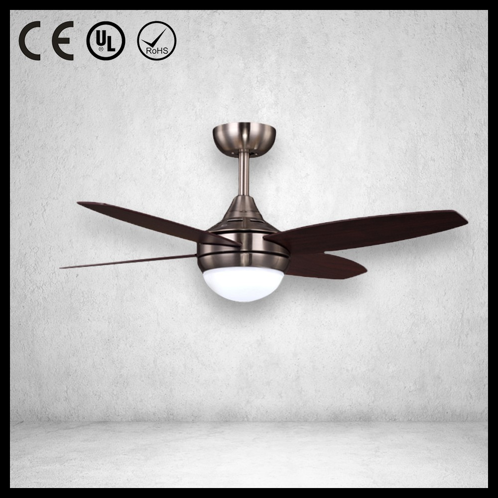Vintage Wood Blades Ceiling Fan With Fancy Lights For
