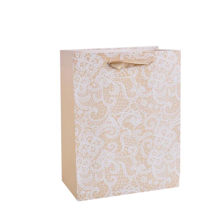 カスタマイズされた高級結婚式の好意バッグエレガントなハイグレードキャリアギフトバッグかなりエコフレンドリー紙ショッピングバッグ