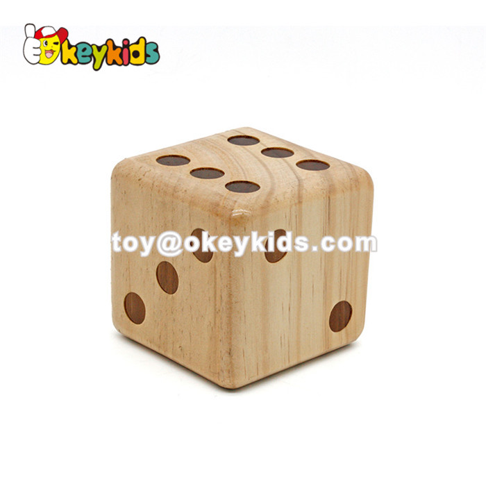 Wholesale high quality wooden dice toy useful juguete de dados de madera for entertainment W01A307