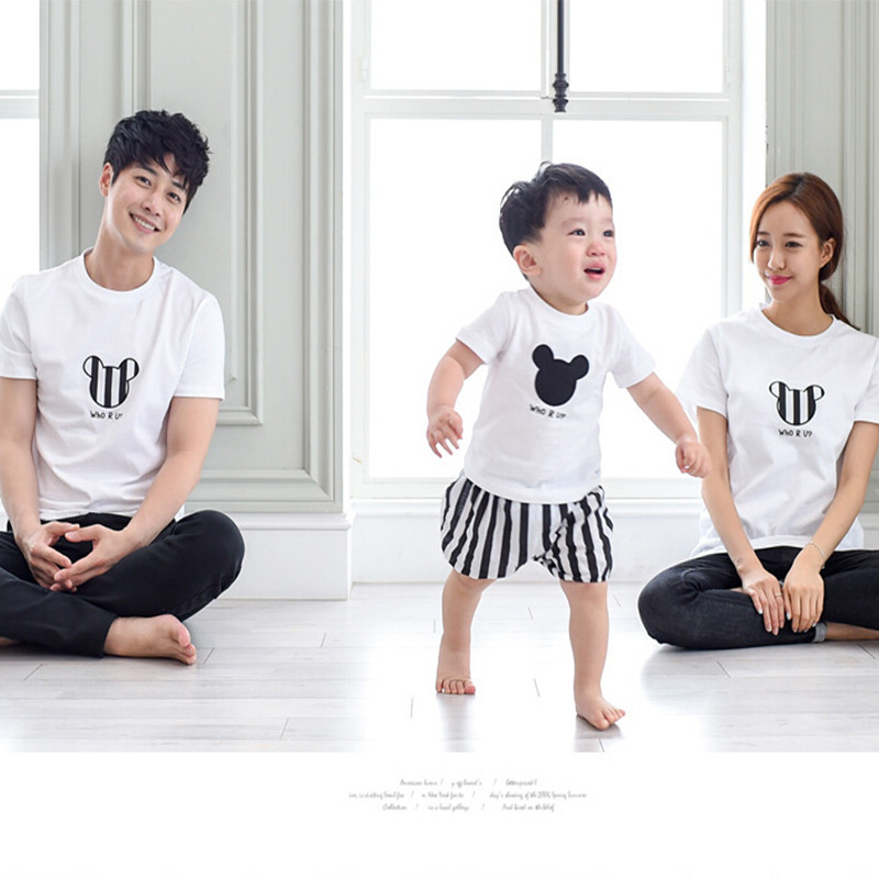 2016 New coming Family Matching outfit Soft Cotton Cartoon Head printed T shirt Mama Dad Baby