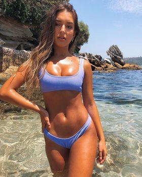Www bikini xxx