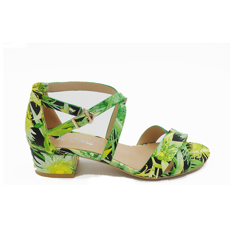 New design beach style green flower ladies simple flat sandals