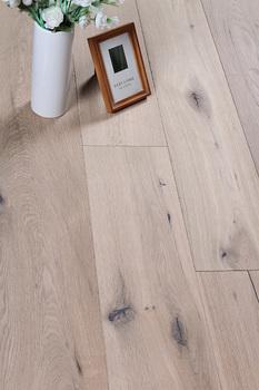 Oak Engineered Laminate Wood Flooring