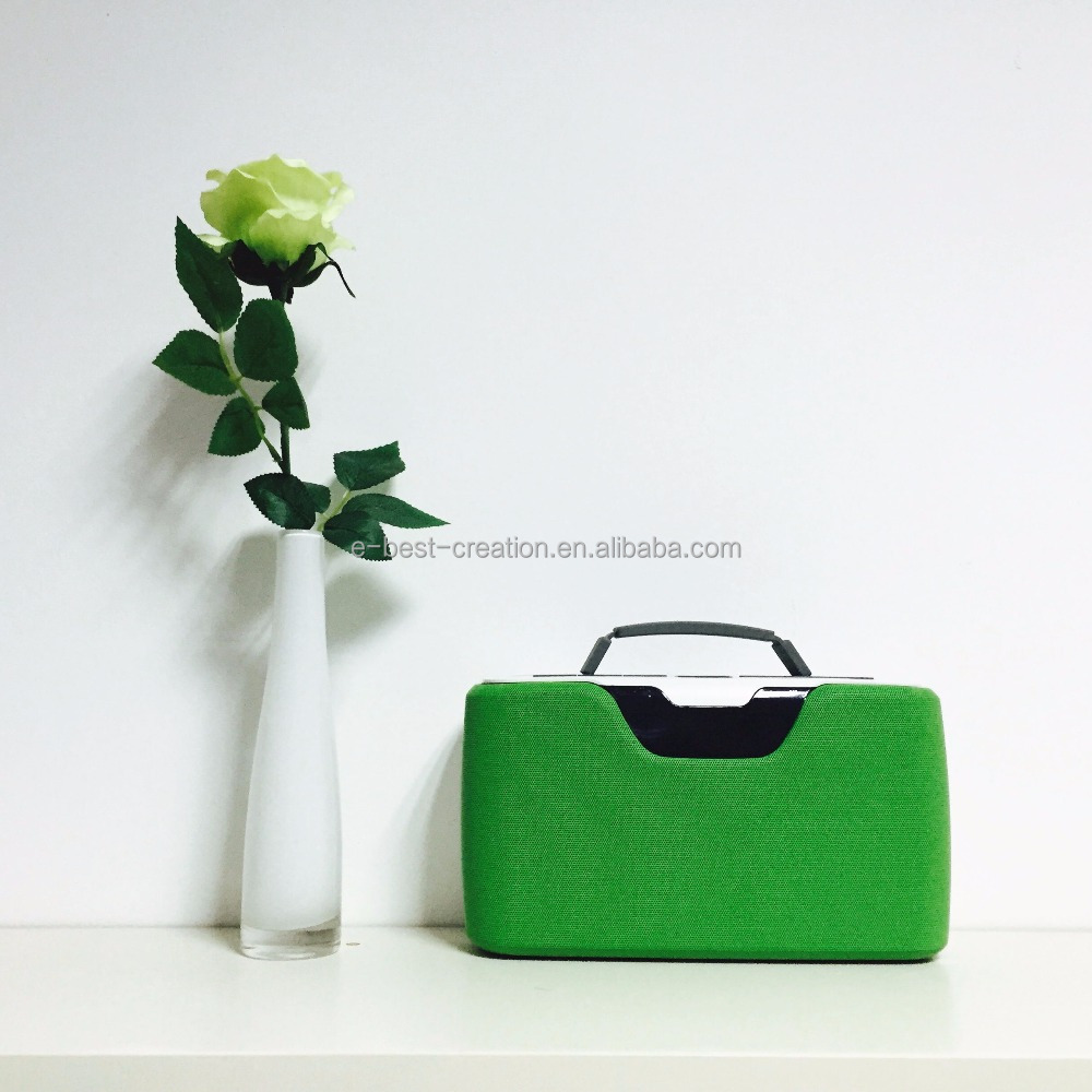 USB/TF/FM Compatible Portable Retracable Handle Bluetooth Radio Speaker