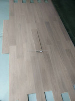 China cheapest water resistant interior use grey stain brushed uv oiled nature oak engineered wood flooring
