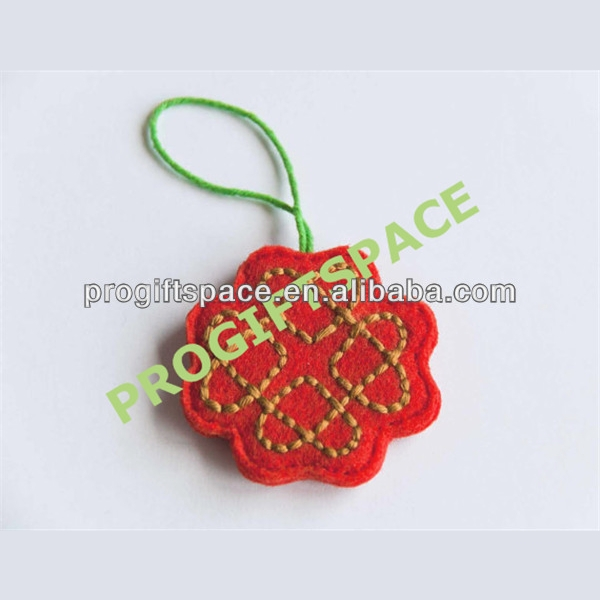 2017 hot sell Eco friendly Valentine felt decoration/felt love knot ornament Valentine gift tag, in bulk made in China