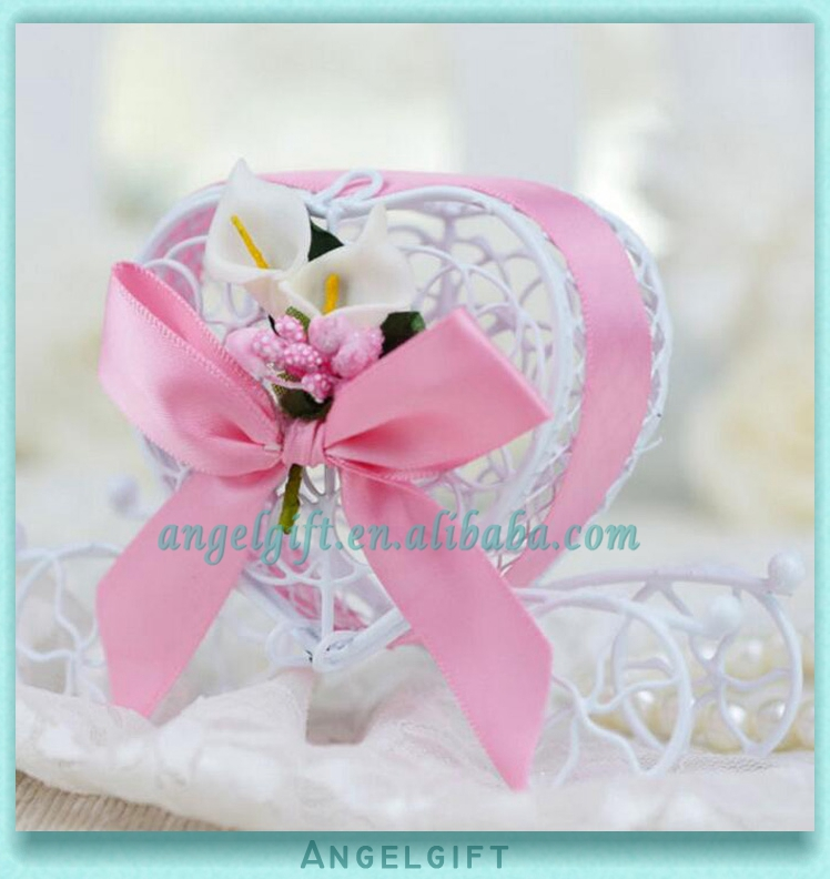 Wedding Favors Heart Pink Ribbon Pink Butterfly Knot White Flower Metal Carriage Chocolate Box
