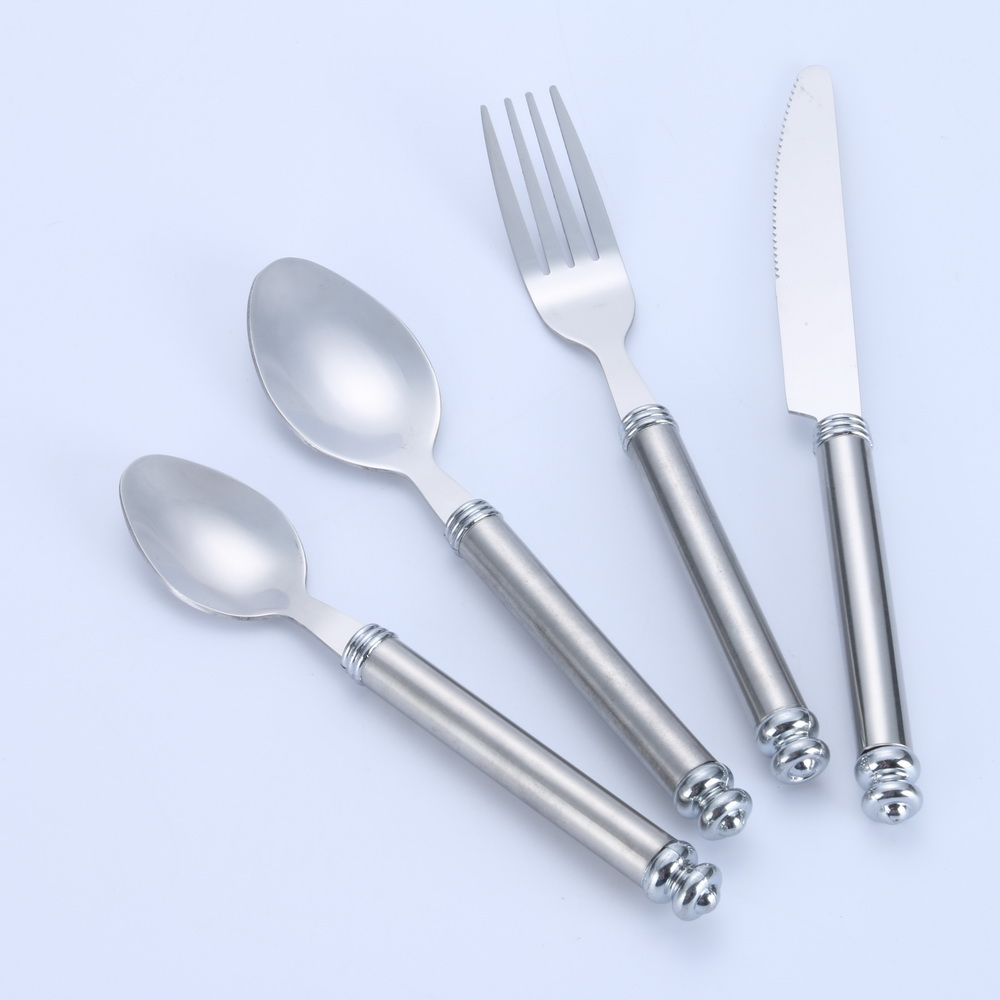 Flatware set with stand