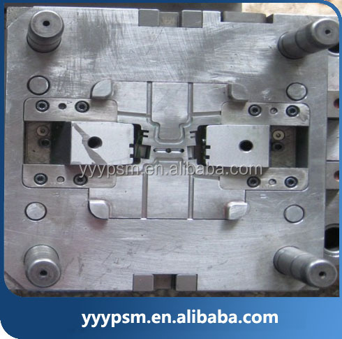 auto injection plastic mould for volvo truck spare parts about bus housing
