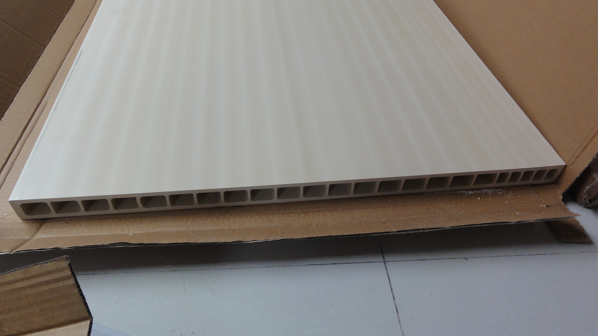 Hollow Panel Extrusion Thickness 35mm 45mm Wpc Door Panel