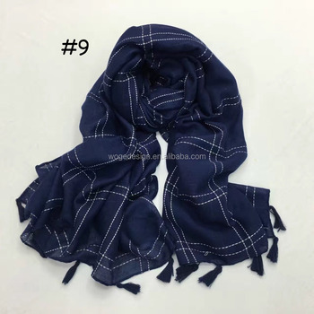 Vogue spring hot popular best supplier feminine soft wrap poncho hijab echarpe print lattice tartan viscose tassel plaid scarf