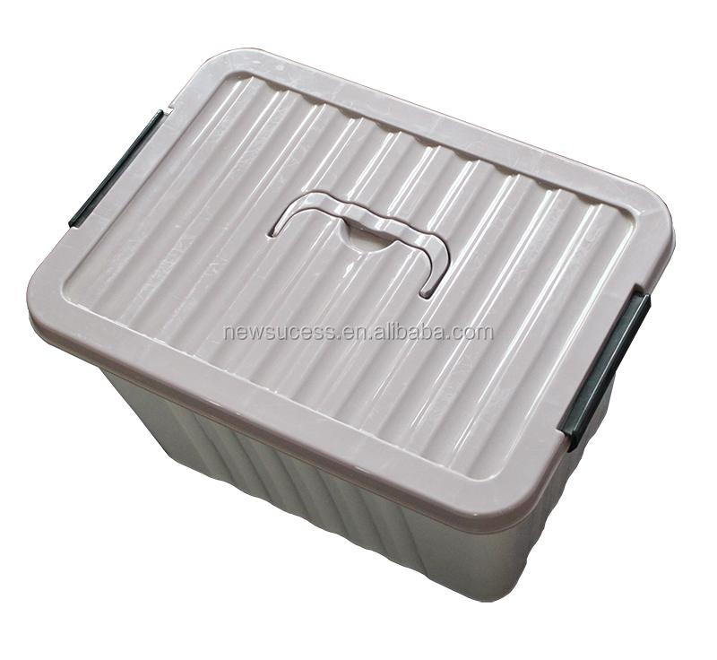 plastic storage box with lid and handle