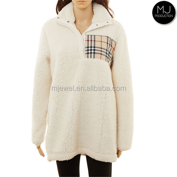 En gros monogramme plaid patch pull en molleton