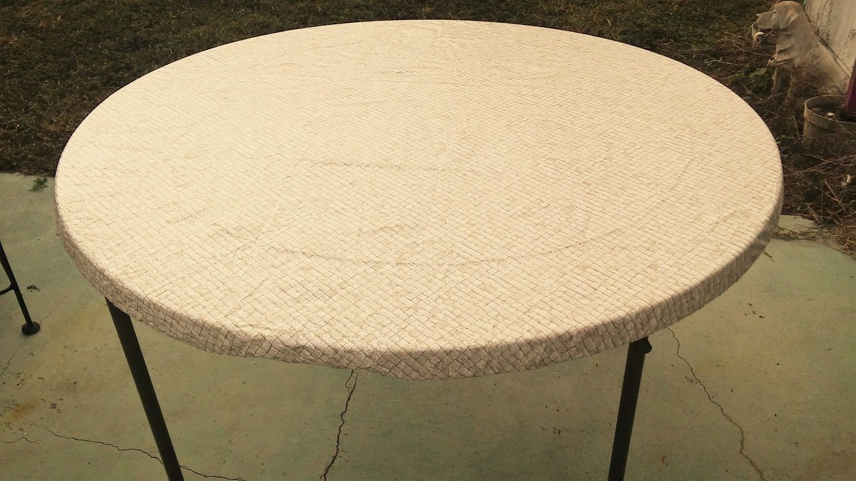 """Econotex Fitted Round Elastic Edge Gold Mosaic Vinyl Tablecloth Table Cover fits 36"""" to 48"""""""