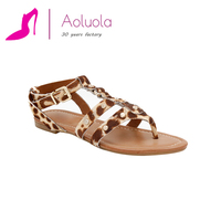 Fashion flat leather sandal shoes women chengdu shoes factory in china ladies fancy beach sandal