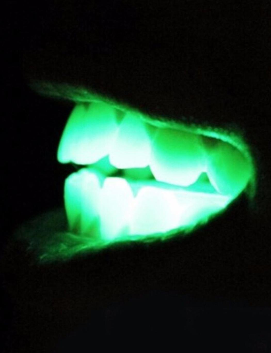 Flashing Mouthpiece LED Light Up Glow Teeth Dark Mouth Guard for Halloween Rave Party (5 PCS)