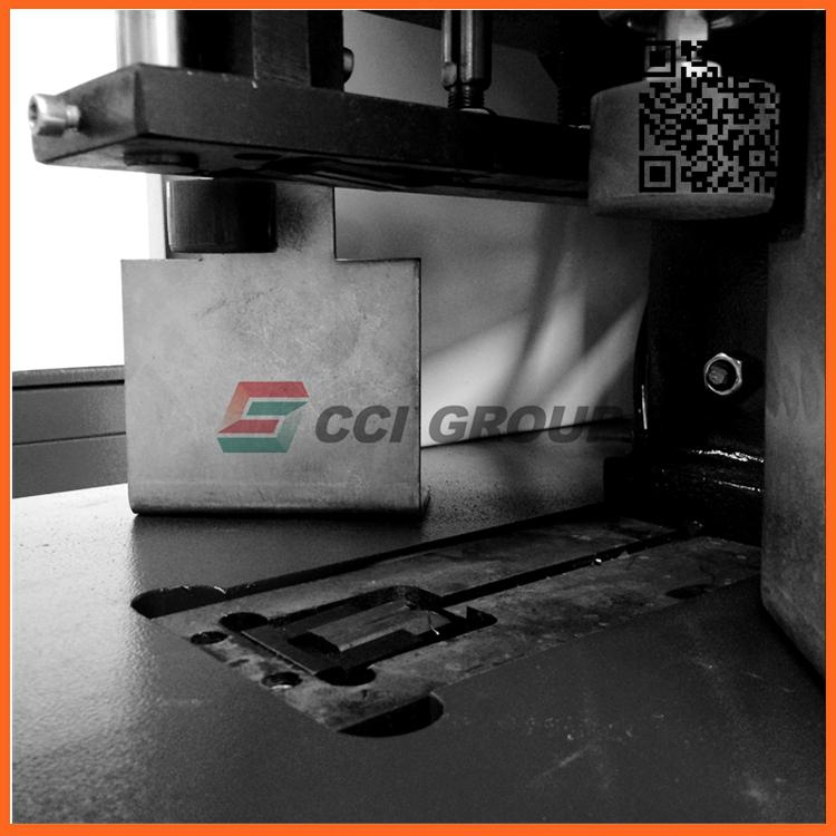 3.corner cleaning machine