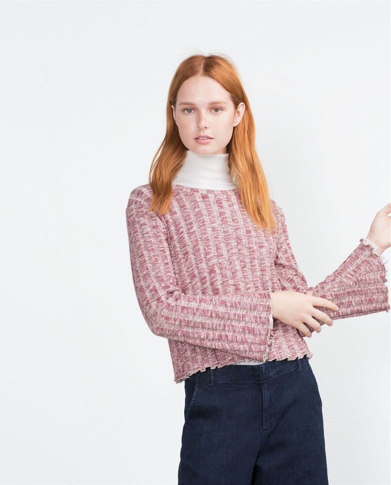 Our retro sweaters come in dazzling designs and unique details that can dress up any basic item of clothing. Wear a printed cardigan with a crochet collar, and sweeten up a basic tank dress. Add a pair of pointed-toe flats and colored tights for an adorable ensemble.
