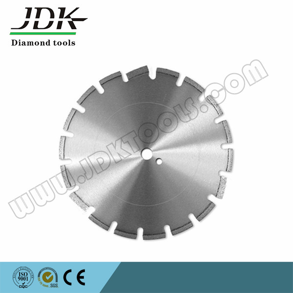 Diamond laser welded concrete saw blade for cutting