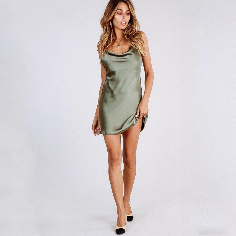 Solid color sexy halter slim base dress