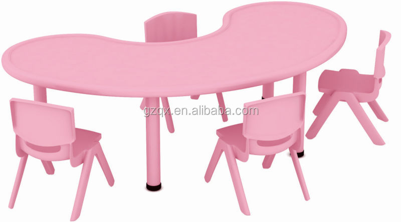Moon shape school desk and chair,daycare supplies,kids table and chairs