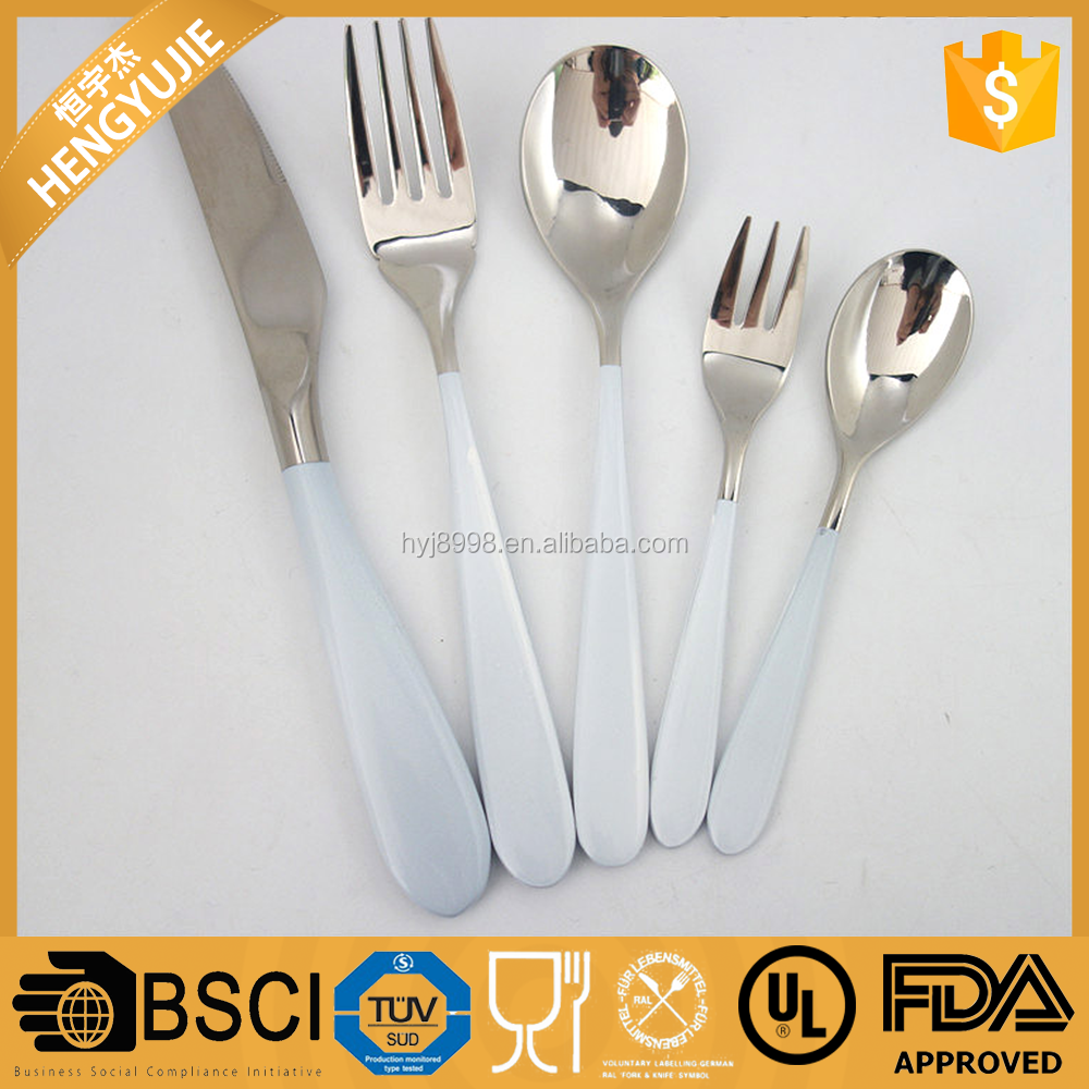 Annual dinner door gift 5pcs cutlery set in white color Lacquered handle