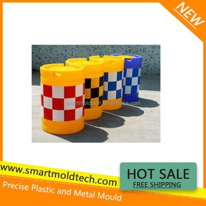 Plastic yellow traffic barrier by plastic injection mold