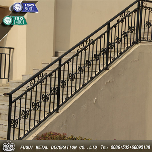 Pasamanos de metal para escaleras top escaleras de hierro for Escaleras hierro forjado