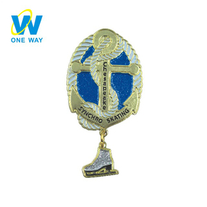 Manufacturer wholesale race logo shield shoes cartoon enamel sports badge, lapel pin with chain