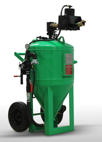 Durable large capacity sand blasting tanks