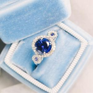 Delicate Silver 925 Plated Oval Cut Cubic Zirconia Diamond Blue Sapphire Ring Designs for Women