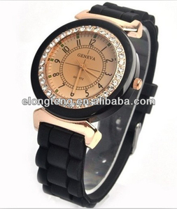 2014 China factory newest best-selling OEM fashion quartz wristband silicone watch