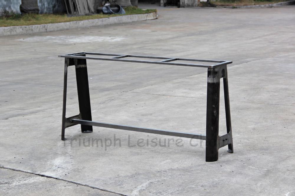 triumph vintge m tal industriel r daction table jambes m tal industrielle pieds de table. Black Bedroom Furniture Sets. Home Design Ideas