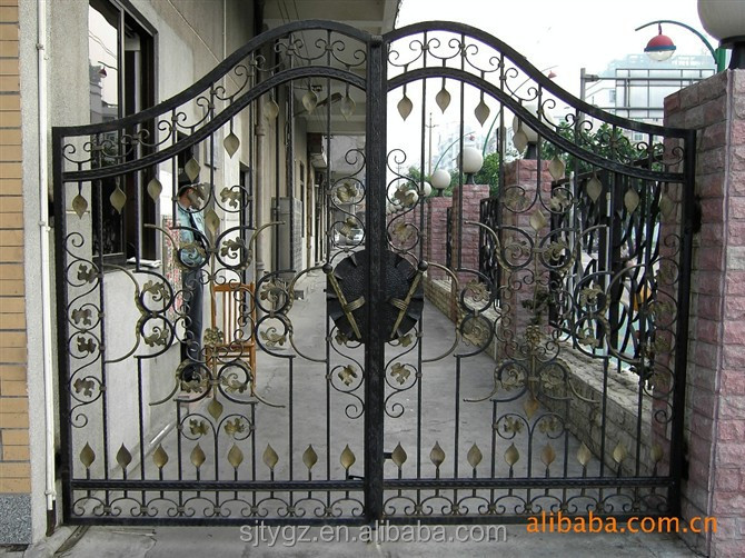 Oriental leaves decorative small iron gate from China supplier