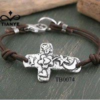 Handmade Retro Antique Silver Jewelry Bracelet With Engraved Cross