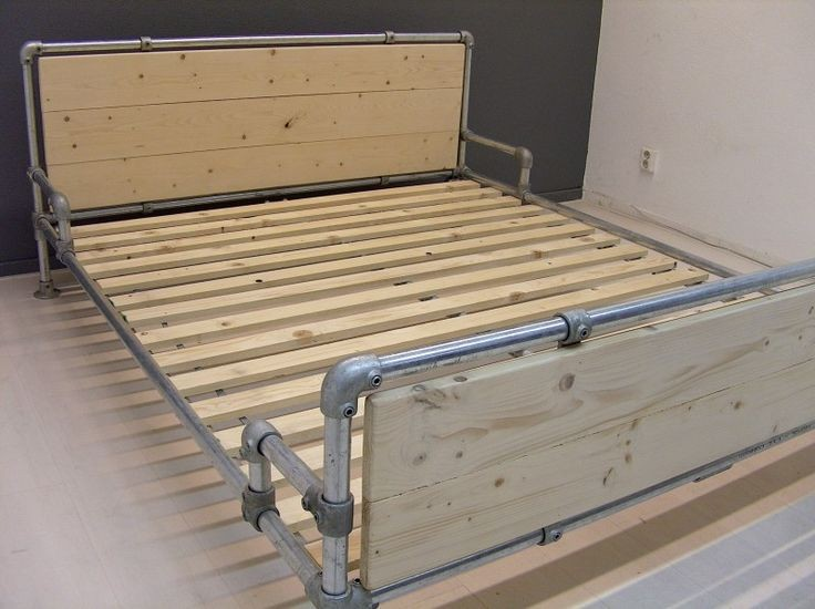 Diy Vintage Metal Pipe Bed Frame With 1 2 Quot 1 Quot Black Iron