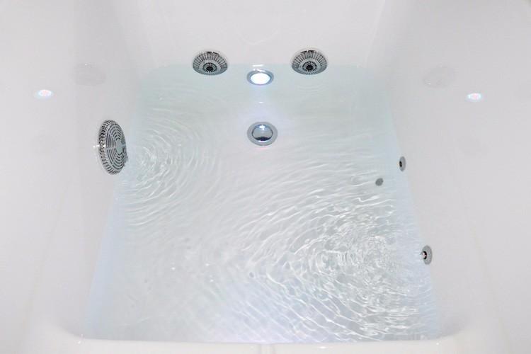 Whirlpool Kleine Badkamer : Recycle kleine badkamer bad maten voor whirlpool bubbling