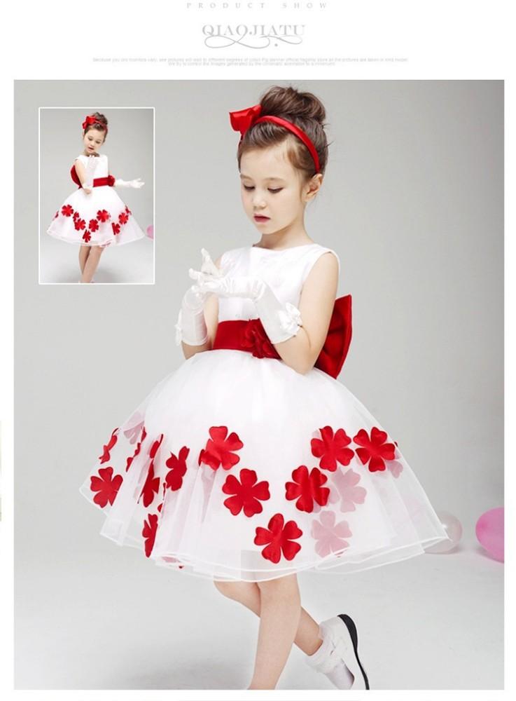 Robe rouge et blanche pour fille