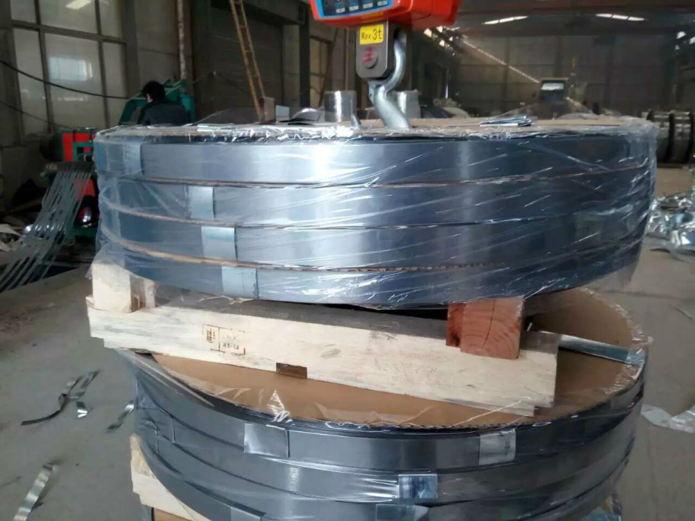 Zinc plating of strip can
