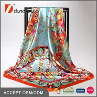 90x90cm Wholesale 100% Polyester Satin Head Scarf with Print