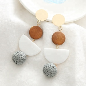 Sample Design Fashion Jewelry Round Shape Earrings With Gold Plated