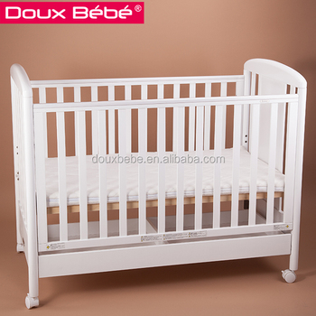 Luxury Small Baby Crib With Movable Design Wooden Cot