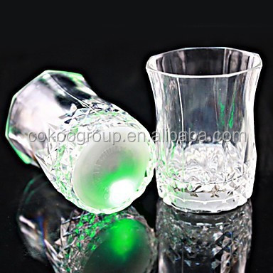 Flashing beer water cup drinking glasses mugs led glow cup, wedding Party bar new year glasses party glasses
