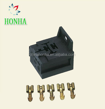 5PIN plug 3334485008 Automotive Relay Base Holder With Mounting Bracket For 5 Pin Relays