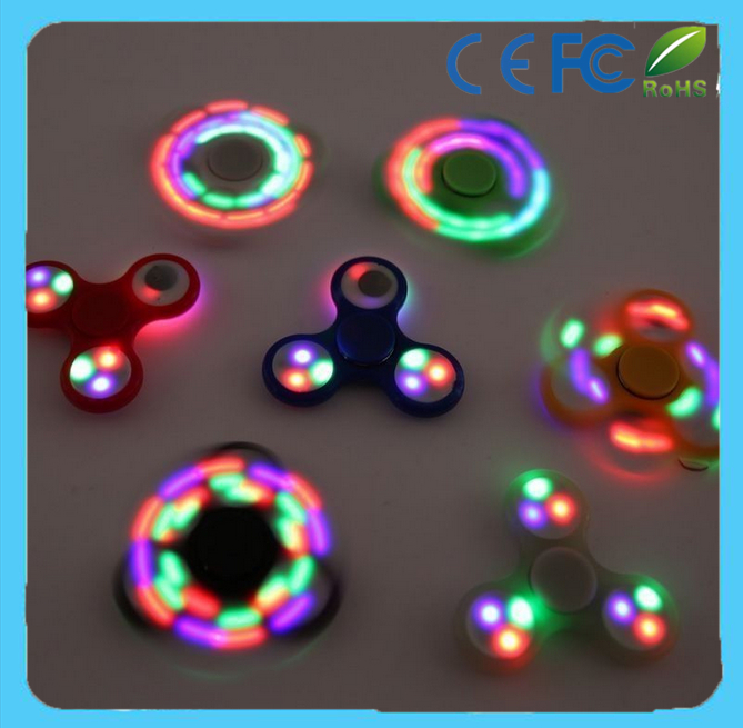 Promotional price Fidget toys finger led hand spinner with hybird ceramic ball or meatl bearing 608