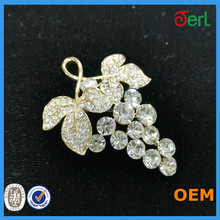 Wholesale vivid crystal brooch pin small rhinestone brooch fashion grape brooch