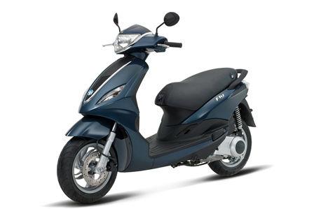 piaggio fly 125 motorrad roller motorrad produkt id 136557552. Black Bedroom Furniture Sets. Home Design Ideas