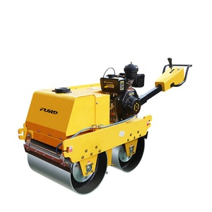 CVT Manual Road Roller Compactor With Small Machine Body