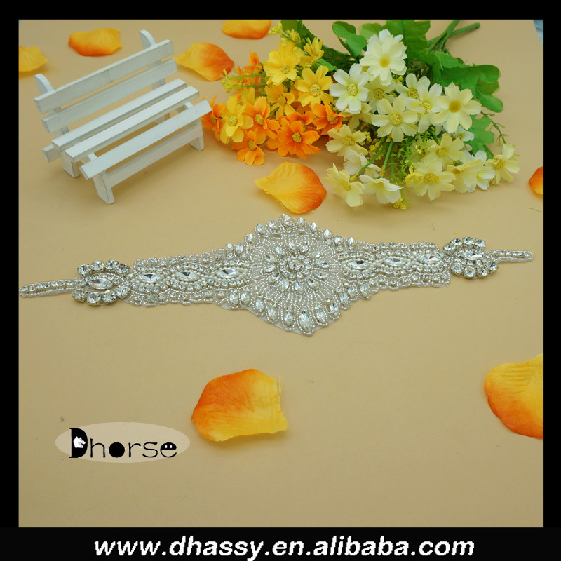 New arrival wholesale fashion rhinestone appliques garment accessories for wedding dresses bridal gown