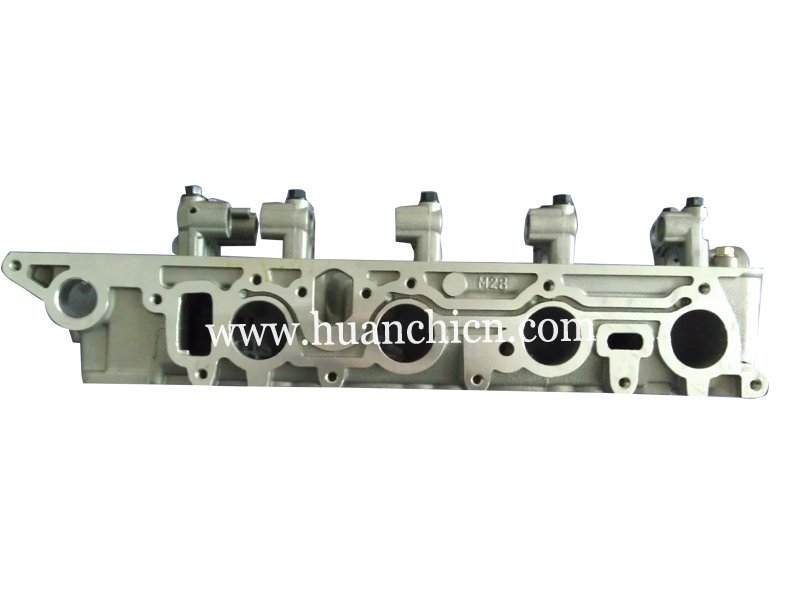 MD311828 4G54 cylinder head For Mitsubishi